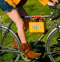 Pedaler-friendly six-pack holder